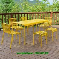 bàn ghế quán trà vàng