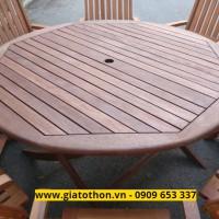 bàn ghế gỗ ngoài trời tiện dụng