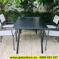 bàn ăn khung nhôm nan gỗ đen