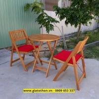 bàn ghế gỗ cafe có tấm đệm lót