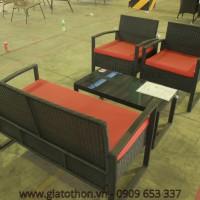 Bàn ghế mây đen đệm đỏ