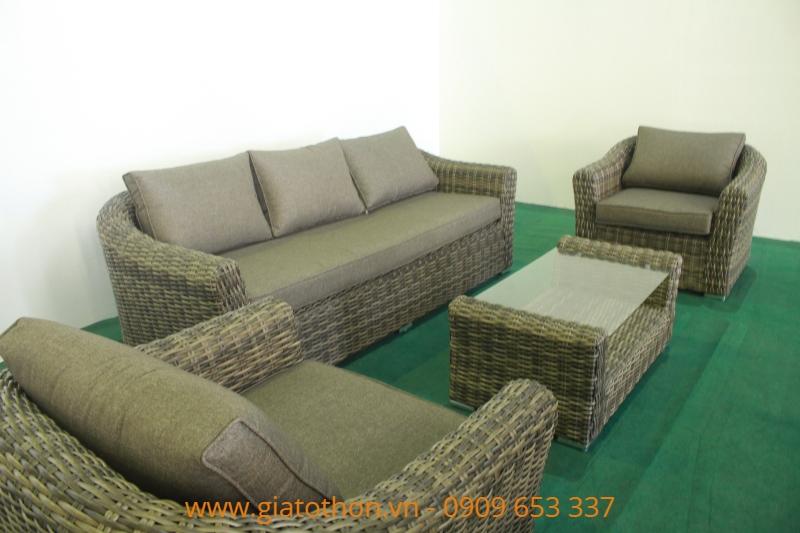 sofa-may-nhua-mau-nau-tram